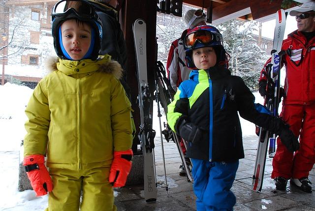 El equipo necesario para esquiar con niños en los Pirineos