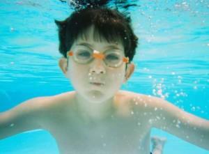Consejos para disfrutar de los múltiples beneficios de la natación para niños